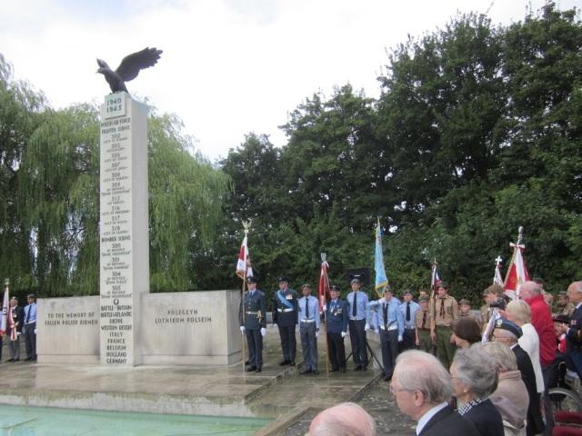 2013.09 pomnik lotnika 3